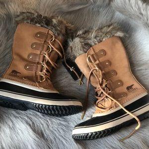 New Sorel Joan of Arctic Fur snow boots 8.5 39.5